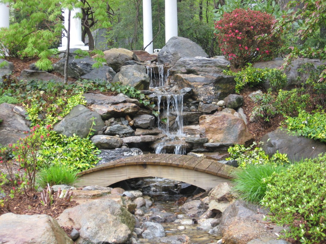 backyard-waterfall-ideas-20141105113554-545a0b9a05abd