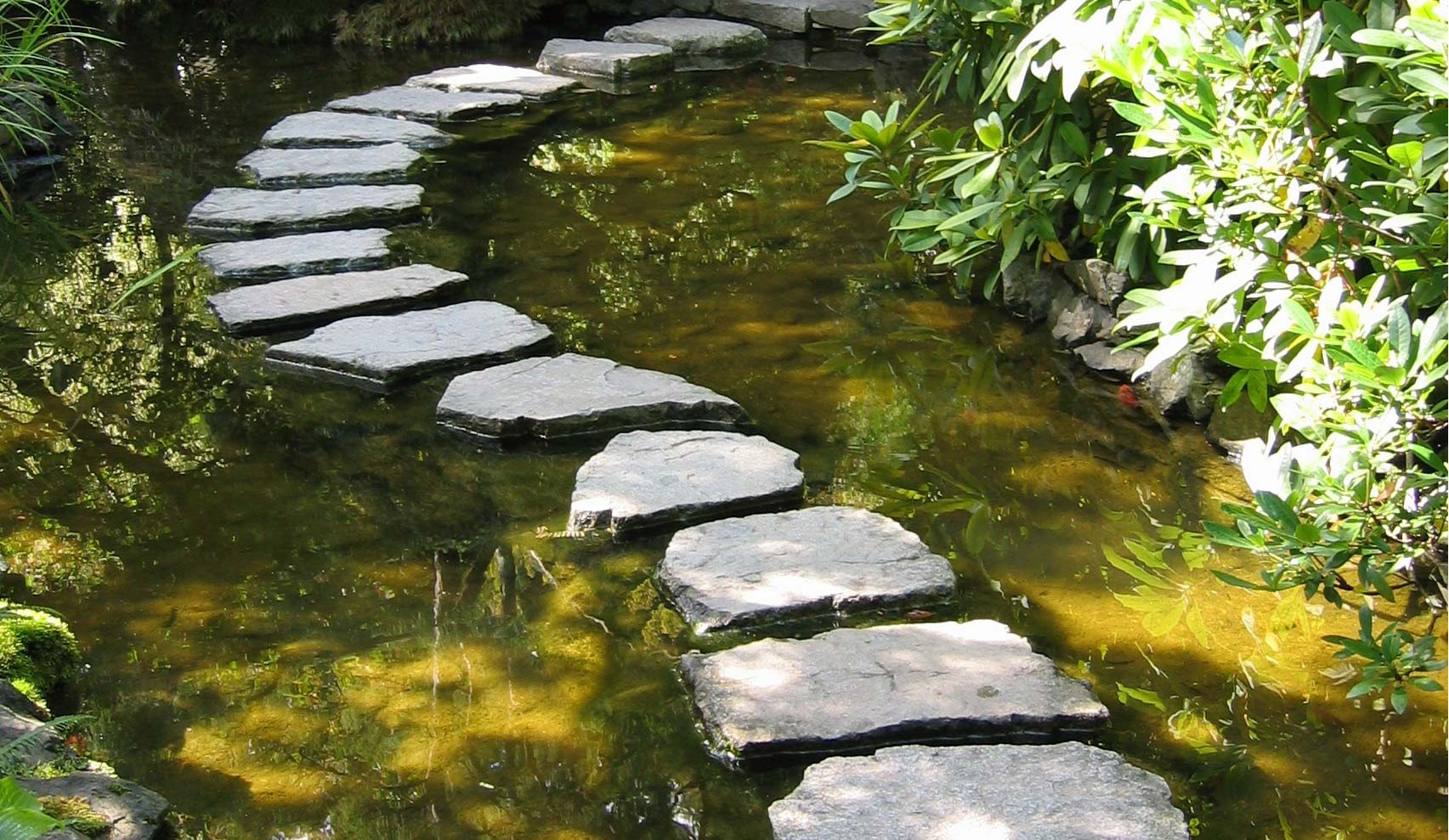 garden-stepping-stones-Plant Professionals outdoor living!